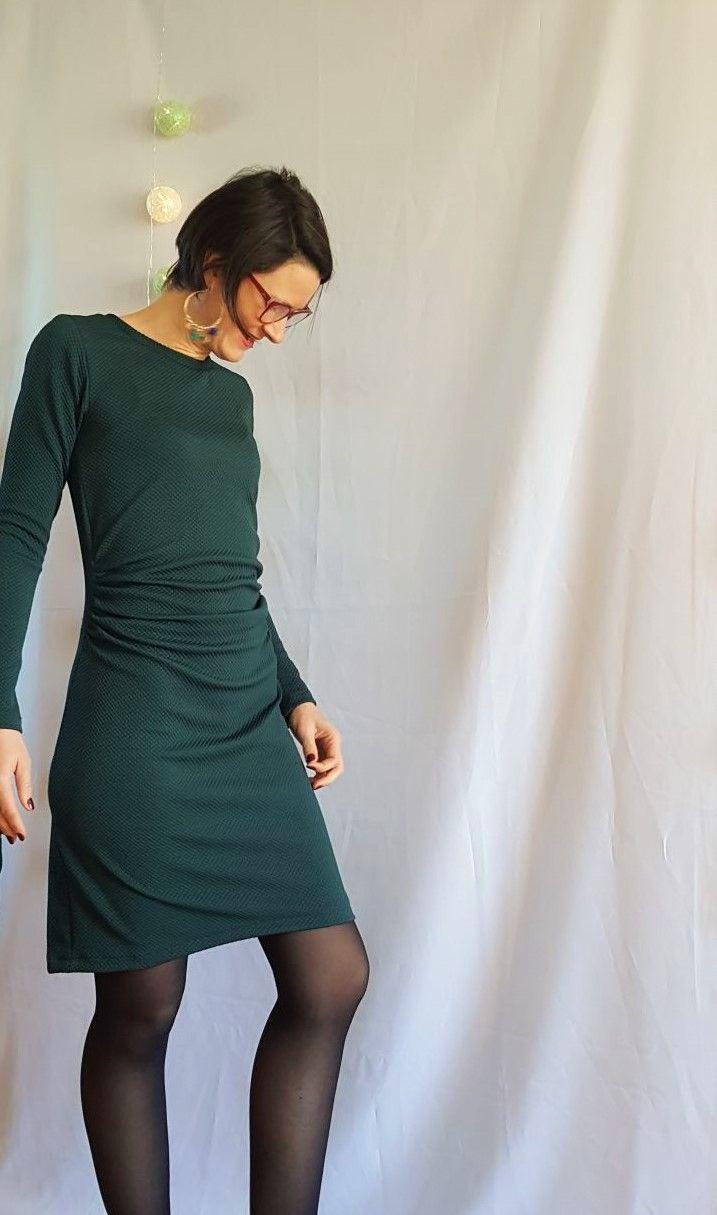 5bb40533f17 On a tous une petite robe noire. L incontournable de la garde-robe ...
