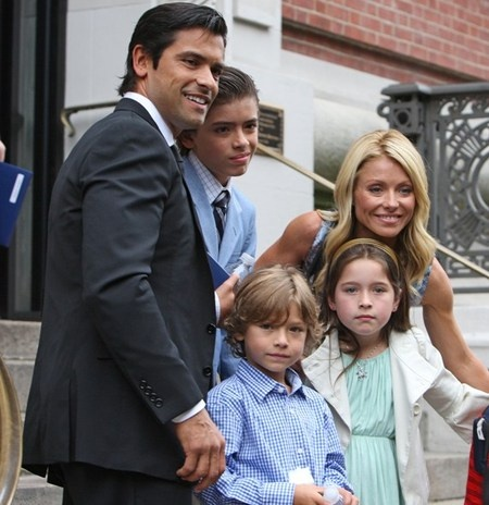KELLY RIPA & FAMILY