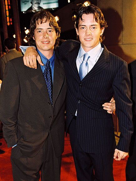 Jason & Jeremy London [Nov 7, 1972] Jeremy has worked mostly in tv while Jason has opted for a career in feature films. Jason is older by 27 minutes.