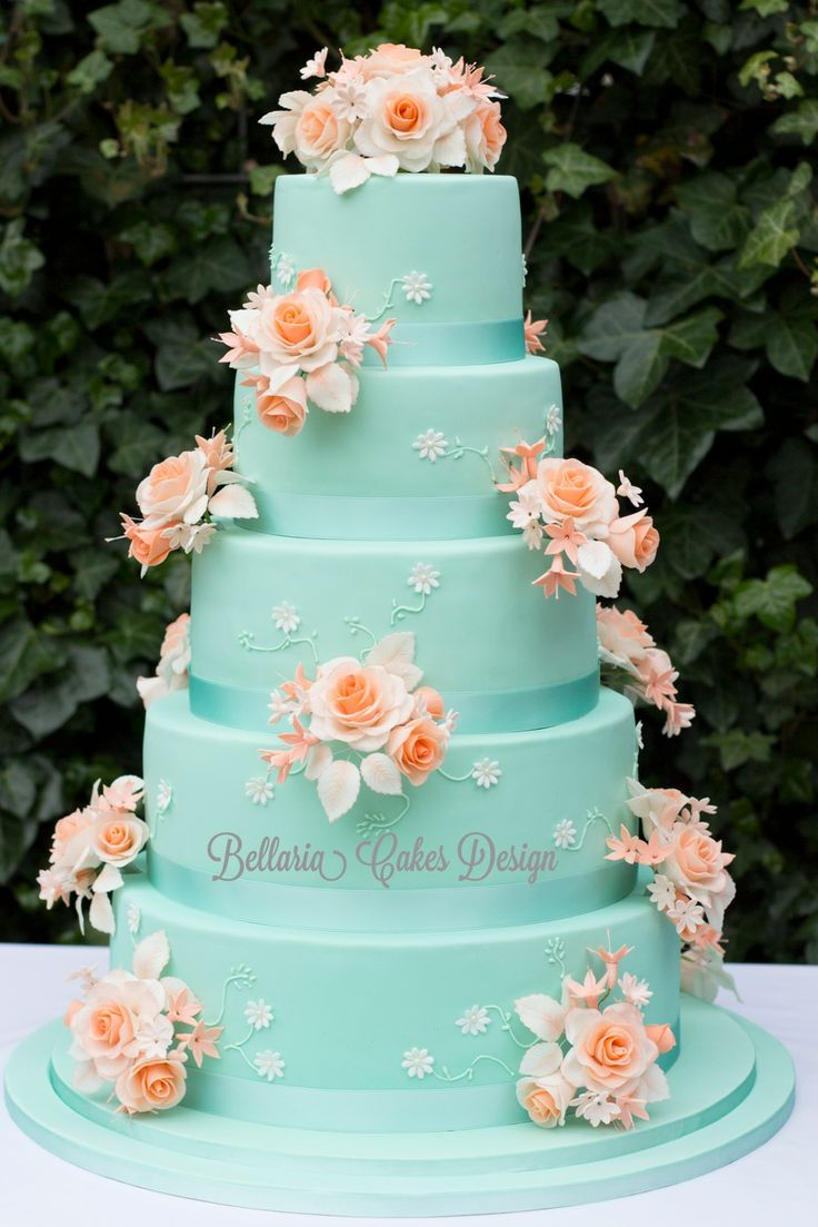 5-tier mintgreen and peach weddingcake - I have made this 5-tier weddingcake last weekend.  The weddingcouple asked me to make de weddingcake in the colour mintgreen en peach. It filled with white chocolate crème and raspberry marmelade. It is a pleasure te make it and I'm satisfied about the result.