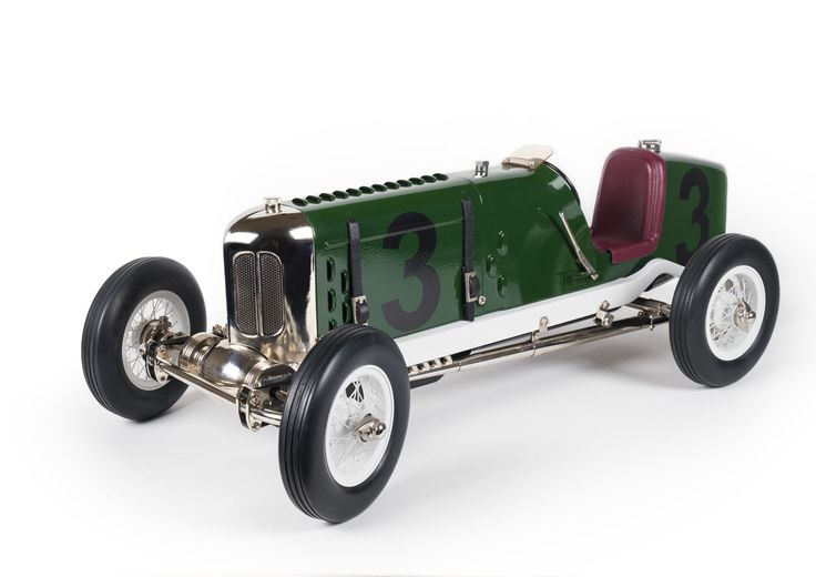 A modern day model of the 1922 Miller Indy 500 Race Car, made by Gilbow. This is a great model, it has a clockwork engine and is about 45cm (18in) long. A wonderful recreation of those old racing cars.