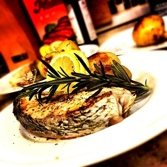 シンプルに、シンプルに。 - 85件のもぐもぐ - North Italian Red Snapper & Potatoes 北イタリア風 鯛と新ジャガ炒め by Yuka Nakata