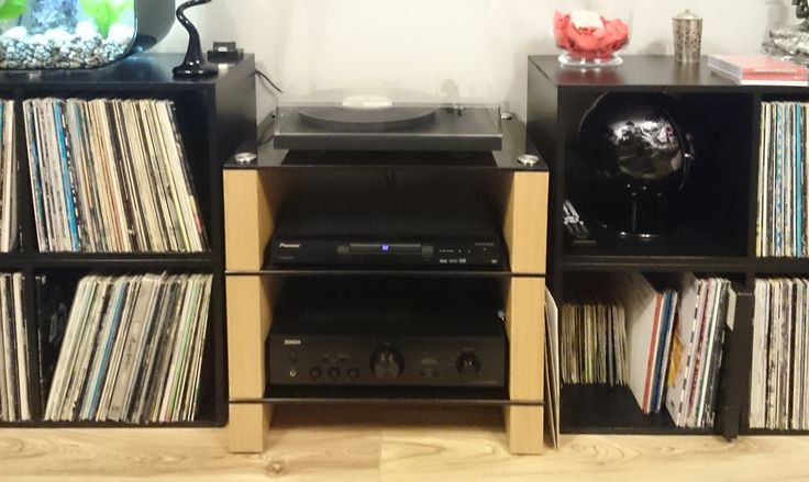 Oak-STAX-300,-Three-Shelf-Hifi-Stand,-Customer-Photo