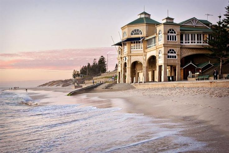 Indiana [PERTH] @indiana_cottlesloe is an iconic West Australian landmark located on the pristine white sands of Cottesloe Beach. Offering diners uninterrupted views of the Indian Ocean from all tables, Indiana provides a picturesque setting to enjoy any special occasion.
