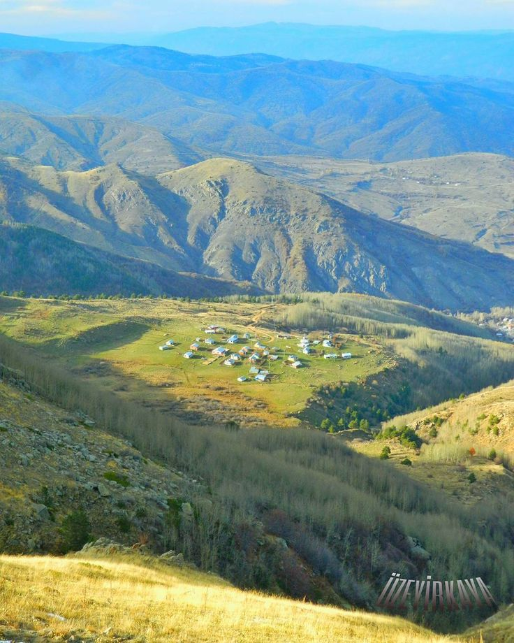 "65 Beğenme, 1 Yorum - Instagram'da Ü z e y i r  K a y a (@turkcuzeyir): ""#mountains #mountainhouse #mountain #naturelovers #hdr_captures #healthylife"""