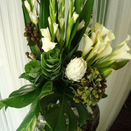 Beautiful Gladiolus Flower Arrangements For Home Decorations 31