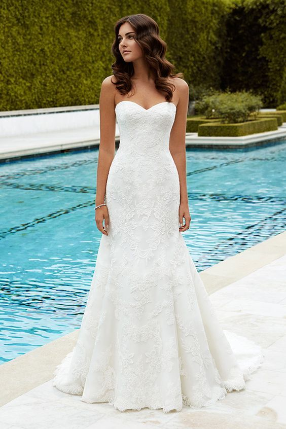 20 Traditional Wedding Dresses Ideas For Brides