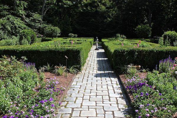 The Shakespeare Garden at the Mayflower Inn