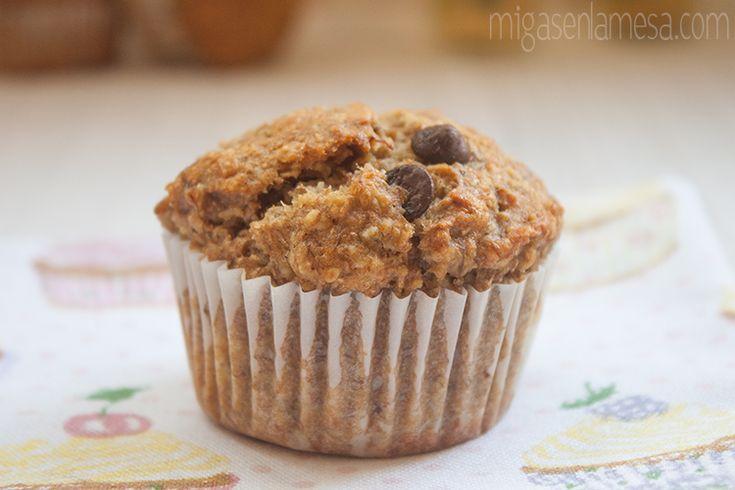 Muffins integrales de plátano y avena