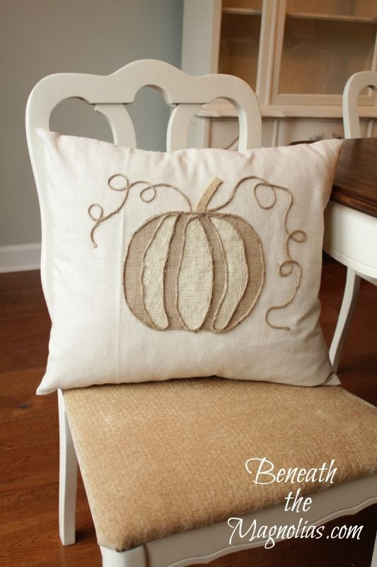 Beneath the Magnolias: No Sew Pumpkin Applique Tutorial...the inspiration for my pillow...think I got pretty close!