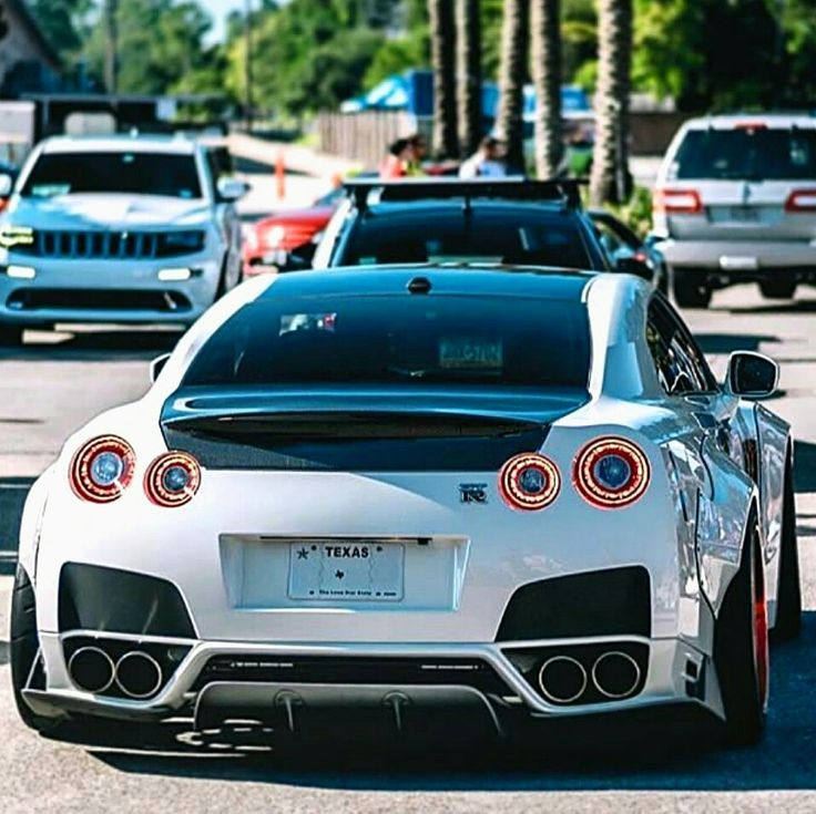 Liberty Walked Nissan Z_litwhips