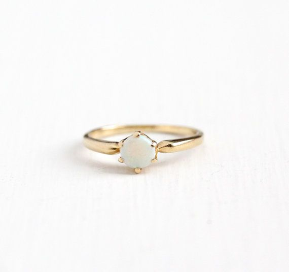 Vintage 14k Rosy Yellow Gold Opal Solitaire Ring by MaejeanVintage