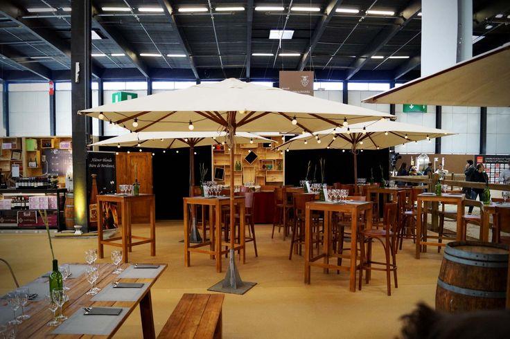 """La décoration """"bois et vignoble"""" du Restaurant L'Oxer, pour le Jumping International de Bordeaux"""