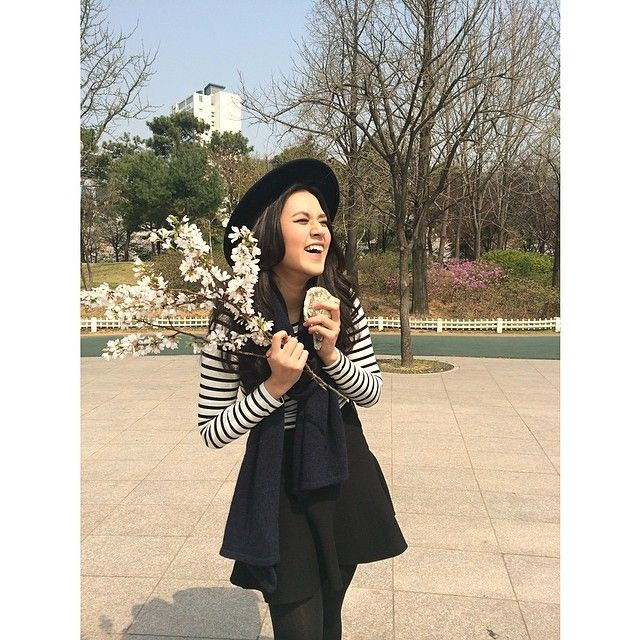 raisa6690 | Can't contain my laughter! When a random man at the park gave me these flower... | Webstagram