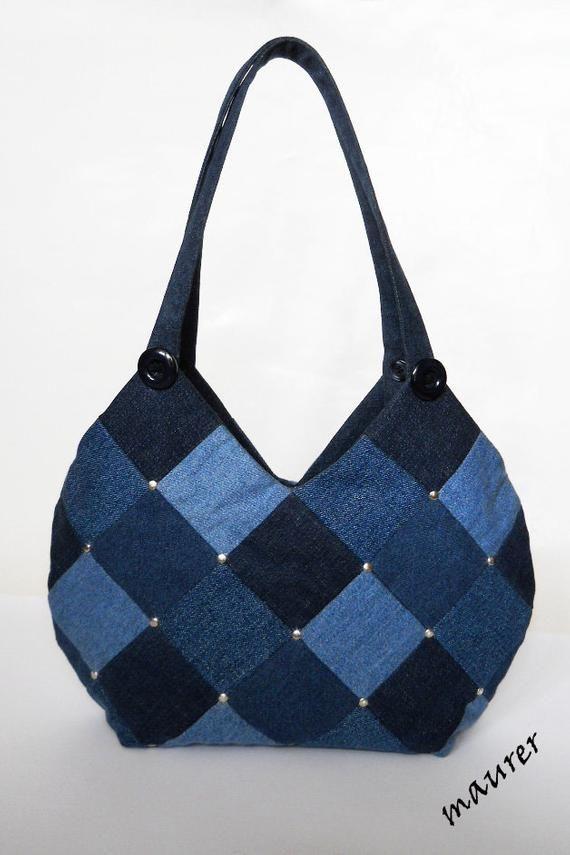 Bolso de hombro bolso azul bolso de mezclilla bolso de mujer Bolsa denim patchwork Pantalones vaqueros reciclados Regalo para una chica / mujer Bolsa casual Eco friendly Upcycled
