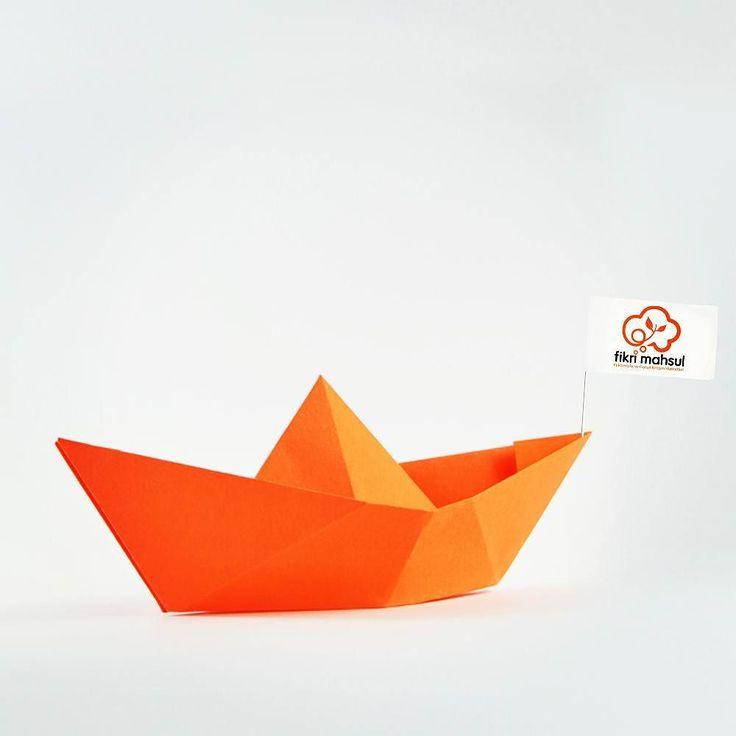 #fikrimahsul #turuncu #kayık #orange #sailboat #origami #paper #kağıt #ilustration #ilüstrasyon #digital #dijital #grafik #grafiktasarım #graphicdesign #graphicdesign #tasarım #tasarimajansi by fikrimahsul