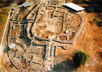 Sito archeologico di Dimini, in Tessaglia Scoperto alla fine del XIX secolo, fu scavato per la prima volta dagli archeologi greci Christos Tsountas e Valerios Stais.