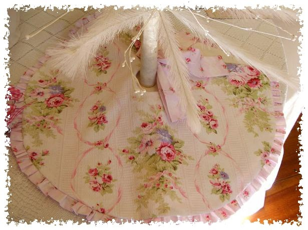 Country chic christmas tree skirt@vintagelizziestyle.