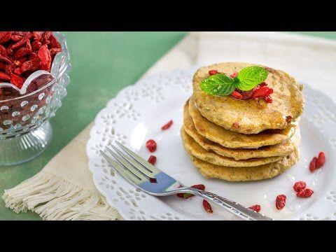 Pancake all'avena (okara) e bacche di goji