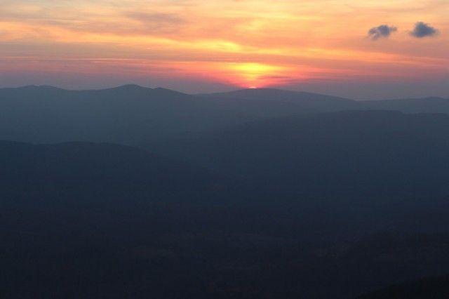 Zachód słońca – takie widoki tylko przed Chatką Puchatka