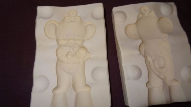 Girl Mouse in Sleepers Ceramic Casting Mold 1981 Albertas A 250 Christmas Used  #Albertas