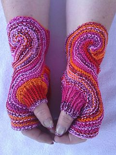 Fingerlose Handschuhe - - - deutsche Häkelanleitung via Ravelry - - - - Hands Fingerless Gloves/Mitts