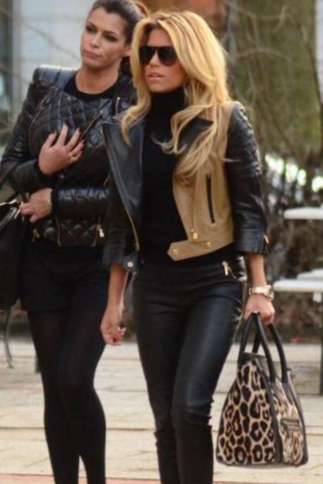 Blonde fitspo fashion outfit casual chique sylvie van der vaart meis