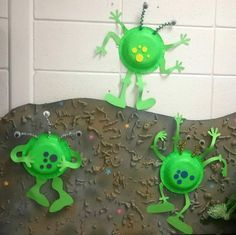 little green aliens made from paper bowls.