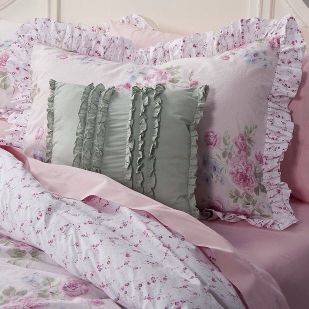Shabby Chic Bed Pillows : 159 best Pillow Cases images on Pinterest Bedspreads, Blinds and Pillowcases