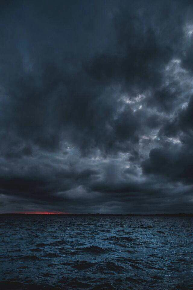Dark And Stormy Sea In 2019 Stormy Sea Storm
