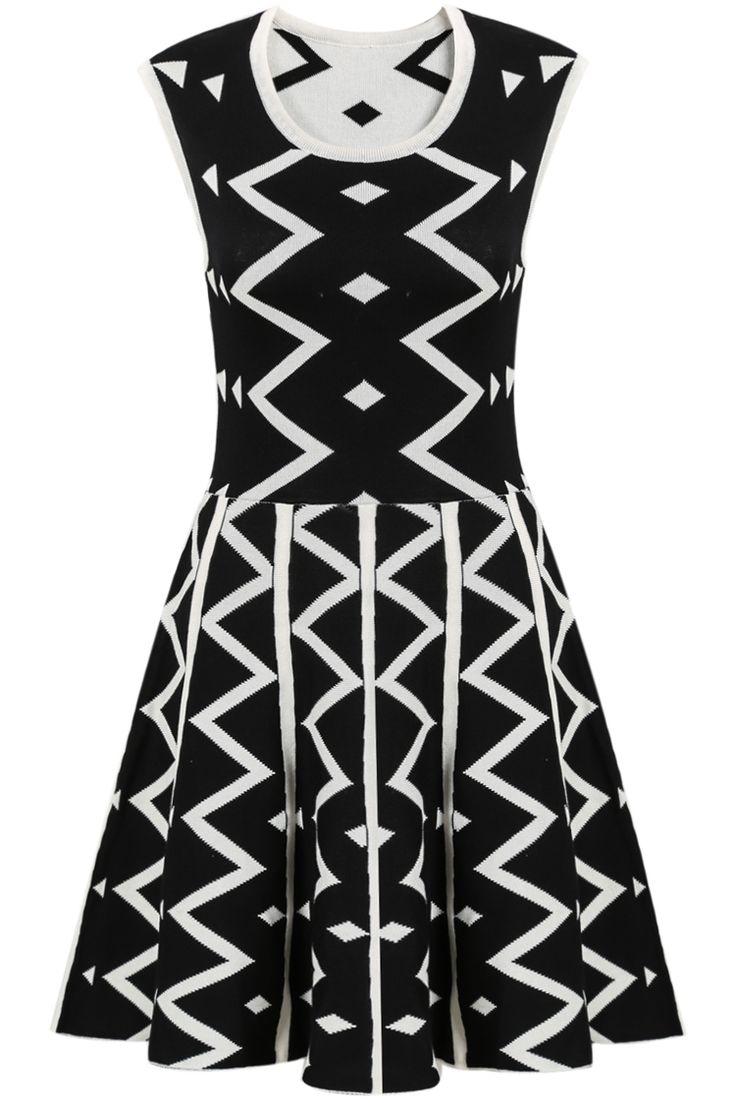 Sleeveless geometric print dress black white