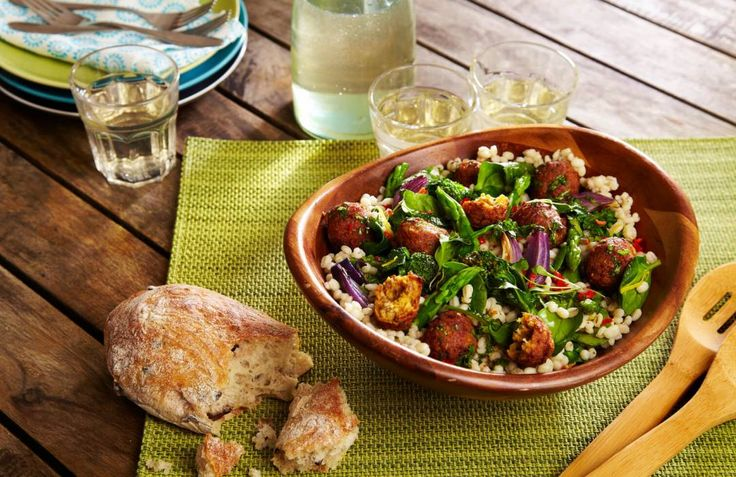 This recipe brings to mind a stroll through a peaceful wooded glade, the warm falafels like sunlight on the forest floor of pearl barley, green broccoli and asparagus! A kick of chilli and the zesty lemon perfectly round this dish off.
