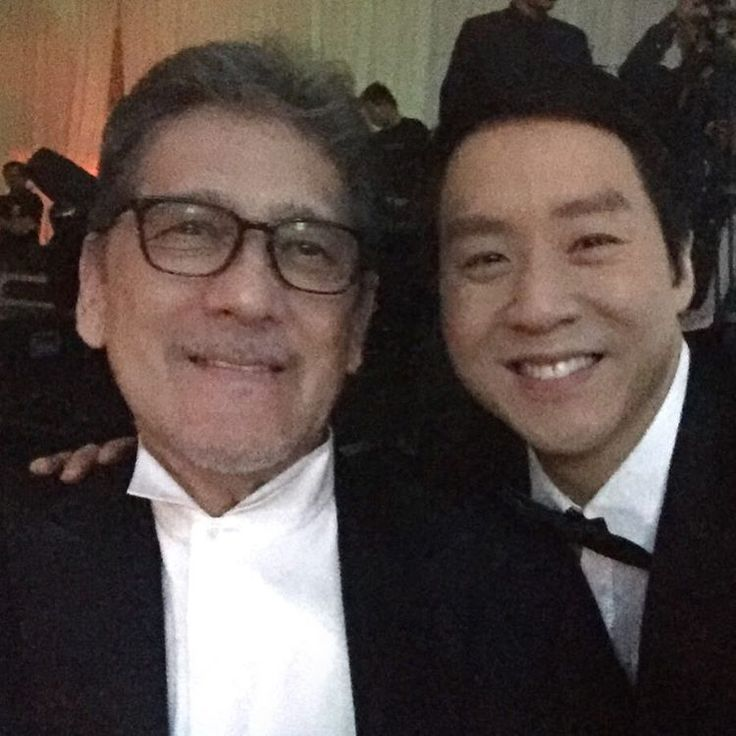 This is Johnny Manahan and singer-songwriter Richard Poon smiling for the camera during the Star Magic Ball 2016 held last October 22, 2016. #JohnnyManahan #RichardPoon #StarMagicBall2016