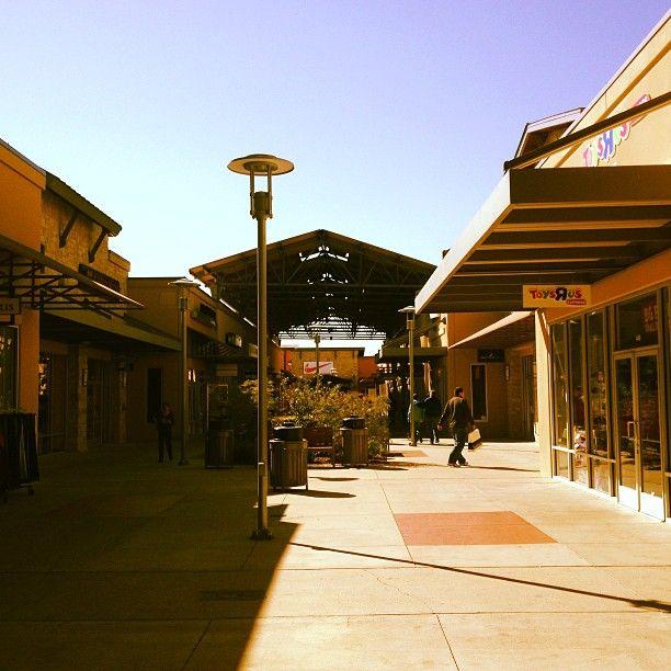 Round Rock Premium Outlets in Round Rock, TX