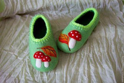 Тапочки Мухоморчики - ярко-зелёный,салатовый,тапочки,валяные тапочки,обувь ручной работы