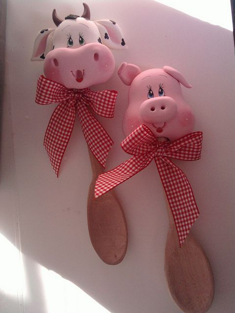 Cow and pig heads