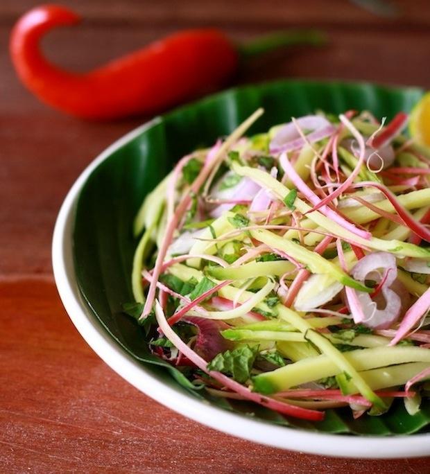 Mango Kerabu Salad recipe by SeasonWithSpice.com