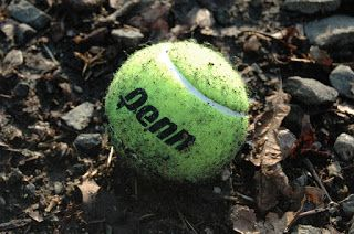 Feelinguality: Health // Massage Yourself With a Tennis Ball