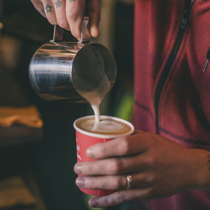 Latte Art in the making.   #latteart #coffee #kaffeebar #kaffeebarVIE #kaffee #wien #vienna #austria