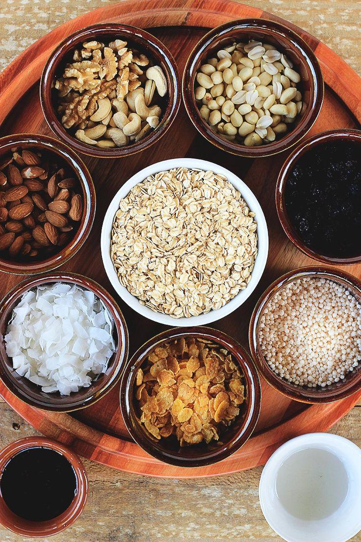 Uma receita de granola caseira sem açúcar, vegana, saudável e MEGA crocante! Sério, vem aprender como fazer essa belezura em apenas 30 minutos~