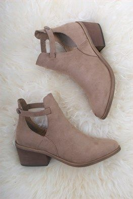 Portland Ankle Boot Tan @shophallelu