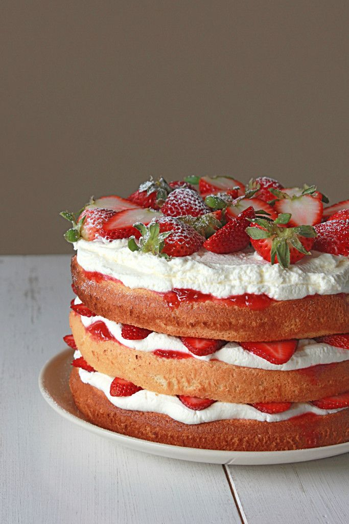 strawberry sponge cake A traditional victoria sponge with a sweet caramelised strawberry topping.