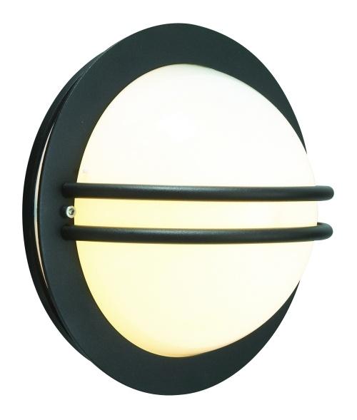 Lampa ścienno sufitowa Bremen 631.Gwarancja 15lat Norlys Norweski producent lamp zewnętrznych Norlys gwarantuje wysoką jakość produktu przez 15 lat.Szeroka gama lamp stalowych cynkowanych ogniowo to zupełnie nowe podejście do dekoracyjnego oświetlenia zewnętrznego. Użycie roztopionego cynku nadaje stali, poza wyjątkową odpornością na uszkodzenia, zadrapania i obicia, znakomitych własności antykorozyjnych. $75