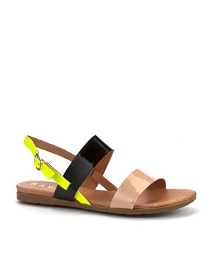 Be top of the class in colour blocking with these fab Ravel sandals. With a chic black maxi and a statement necklace, you'll be effortlessly cool all summer long. #newlookfashion #newlook #beachfeet #sandals