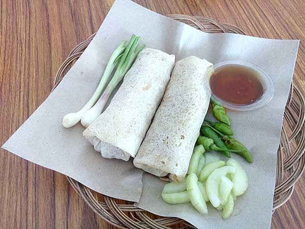 LUNPIA MATARAM SEMARANG merupakan kuliner khas Semarang dengan resep turuntemurun yang selalu menjaga kualitas rasanya.Isinya rebung dengan campuran udan