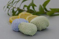 Recette d'entretien ménager naturel : Galets effervescents WC Menthe Citronnée - Anti-tartre/ Désinfectant par Joli'Essence