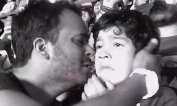 Este pequeño con autismo acudió al show de Coldplay y su reacción es increíble