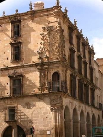 Palacio del Marqus de la Conquista, situado en la plaza Mayor de #Trujillo  (  El Conquistador16th CenturyCastle ...