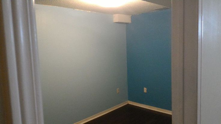 Renovated and fresh painted 1 bedroom in a basement available for Rent located near McLaughlin/Ray Lawson intersection. Famous landmarks nearby include Sheridan college, Primary school, Gurudwara, Chandni-chowk plaza, and grocery stores & health clinics are block away as well. The...