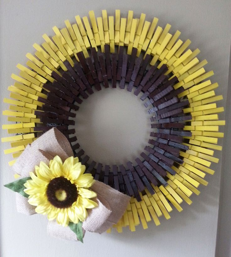 Beautiful Sunflower Clothespin Wreath by PintasticWreaths on Etsy